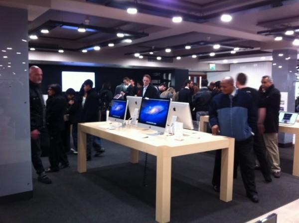 La  Apple Store de Harrods (Londres) ya está abierta al público