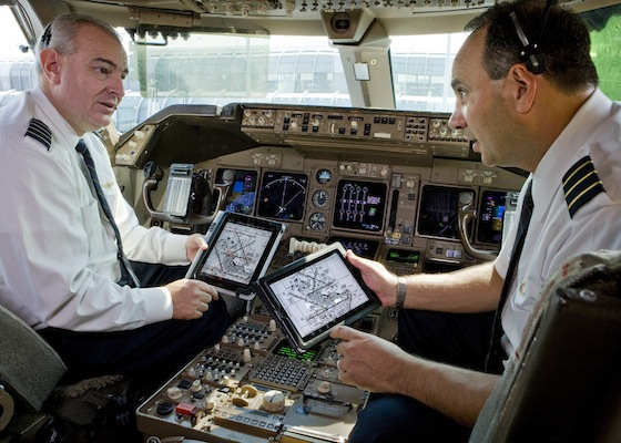 Pilotos Unites Airlines con ipad