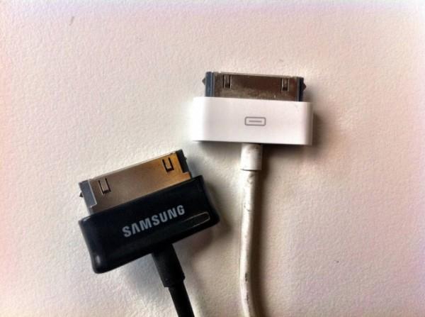 cable de datos Apple vs Samsung