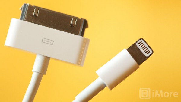 lightning_vs_30-pin_cable_side