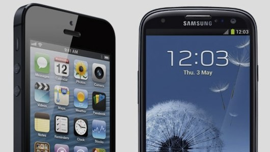 apple-y-samsung-iphone-vs-gs3
