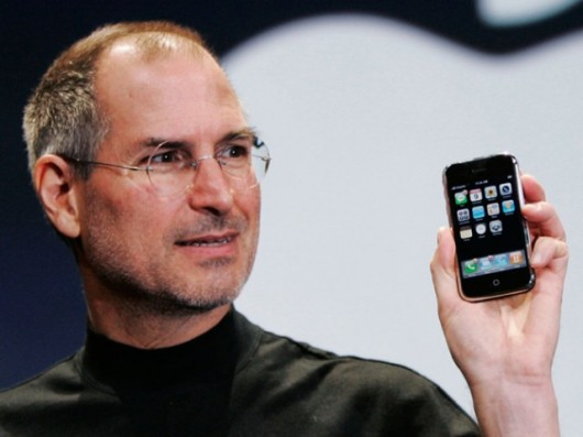 Jobs presenta el iPhone