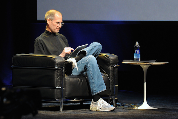 Steve_Jobs_at_Apple_iPad_Event