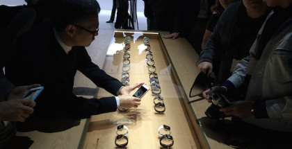 Apple-Watch-Retail