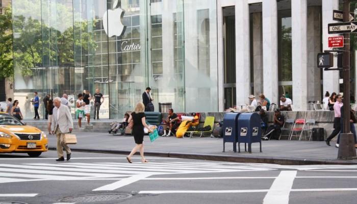 Las Apple Store reciben a su primer acampado