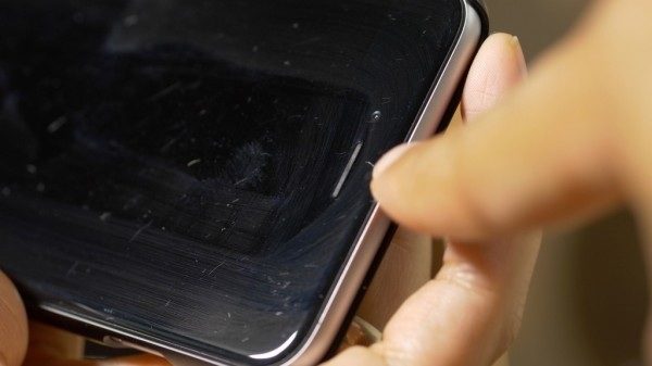 iPhone-6-Plus-hairline-scratches-1024x576