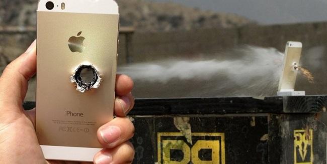 El iPhone para una bala durante un robo a mano armada