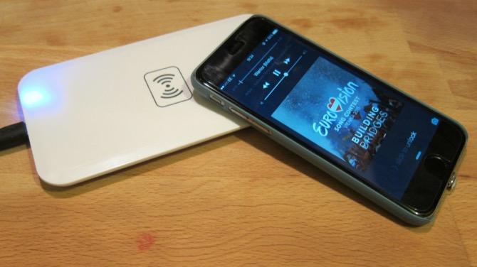 iPhone 7s podría cargarse de manera inalámbrica