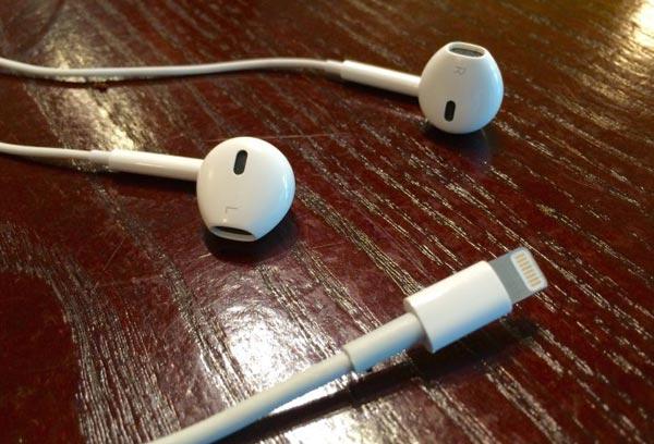 4415_iphone-7-headphones