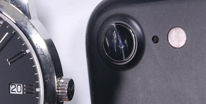 El cristal de la cámara del iPhone 7 empeora en comparación a los relojes