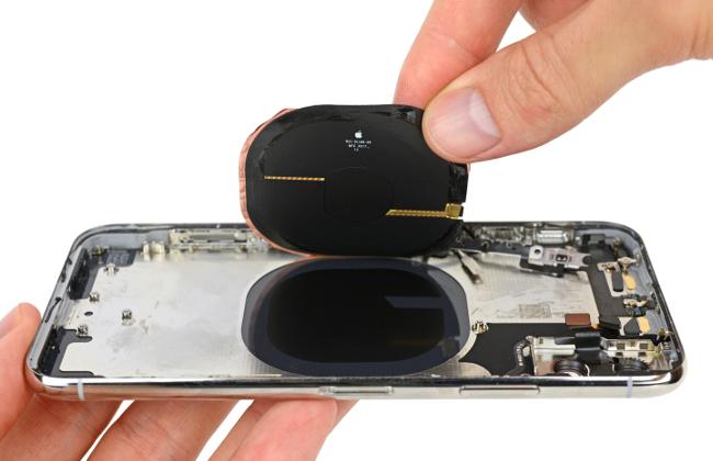 iFixit abre el iPhone X carga