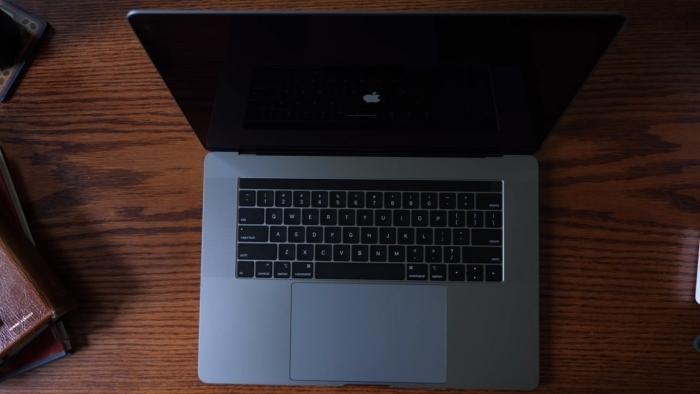 Esta vulnerabilidad hace posible tomar el control de un Mac incluso antes de encenderlo