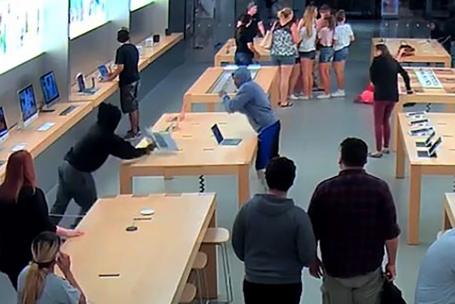 Roban una Apple Store
