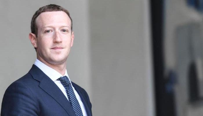 Twitter y Facebook elimina cientos de perfiles falsos