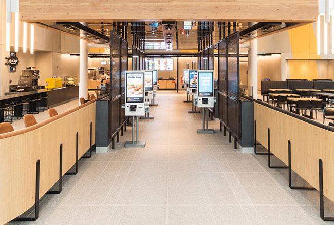 Nueva tienda de McDonald's luce como las Apple Store