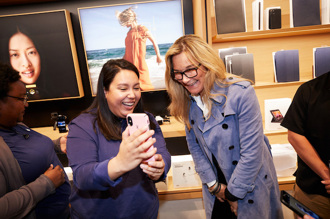 Angela Ahrendts en un Today at Apple
