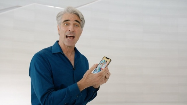 Craig Federighi iPhone iOS 14