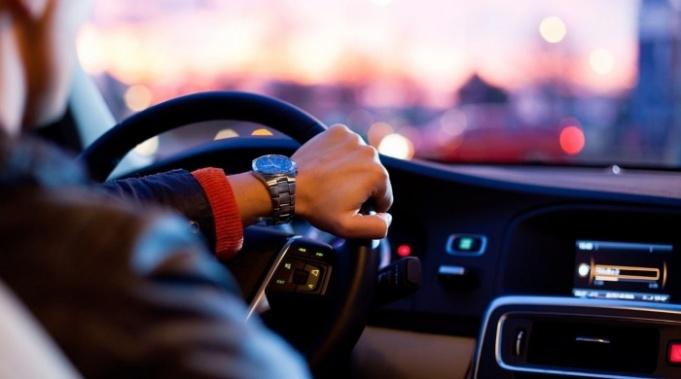 Pulsos de luz infrarroja podrían aparecer en Apple Car
